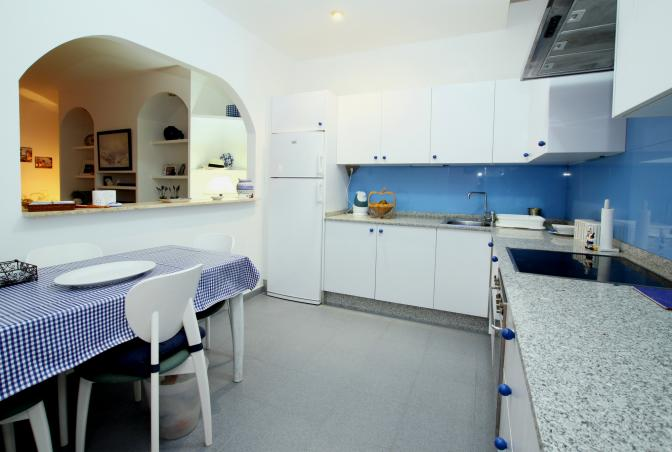 1363722844vqkrynob_kitchen_resize.jpg