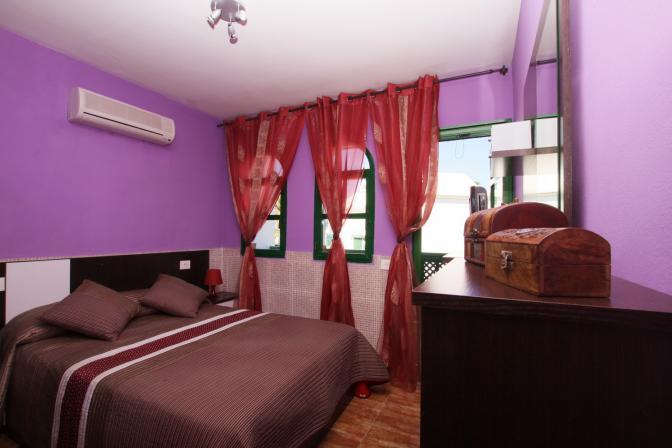 1364498351pywlekbf_bedroom.jpg
