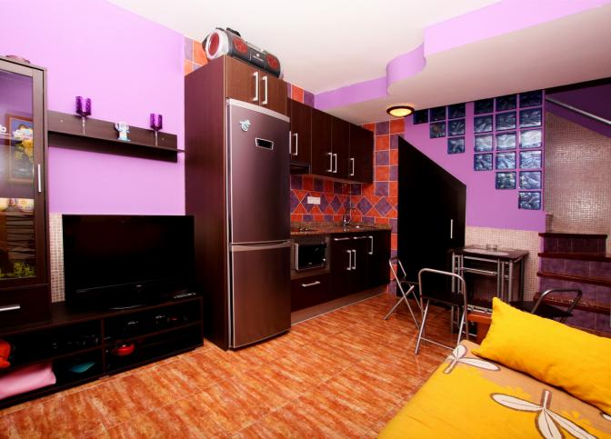 1364498354pneskzdh_livingroom1.jpg