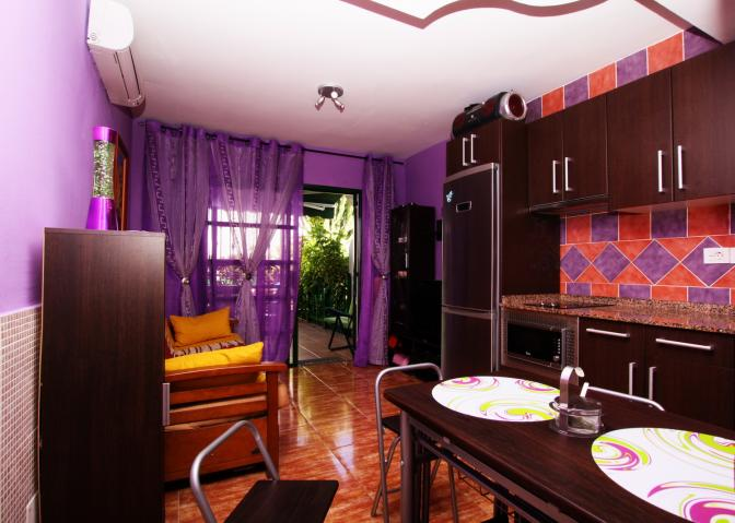1364498355cyihuxzm_livingroom.jpg