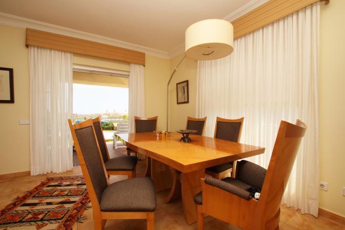 1365092600uieaspgt_diningroom.jpg