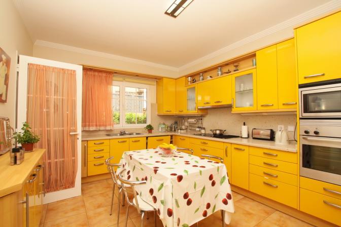 1365092991ajypiklb_kitchen.jpg