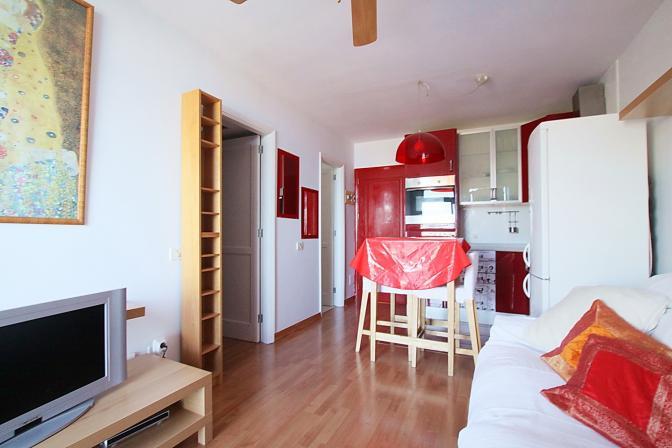 1365782300sjgifhrv_livingroom3.jpg