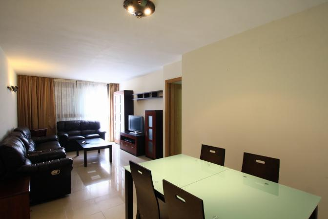1367425752npzoxfjr_livingroom.jpg