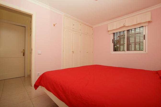 1369072904hsxgnbpl_bedroom.jpg