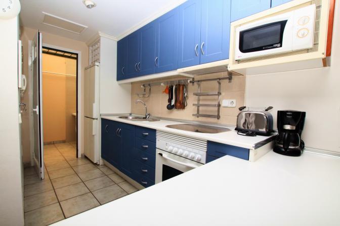 1369478977qmnutyzw_kitchen.jpg
